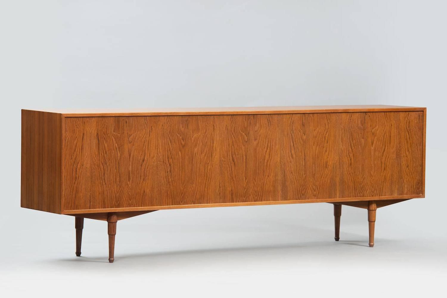 Long italian sideboard for sale at 1stdibs for Sideboard 240 cm