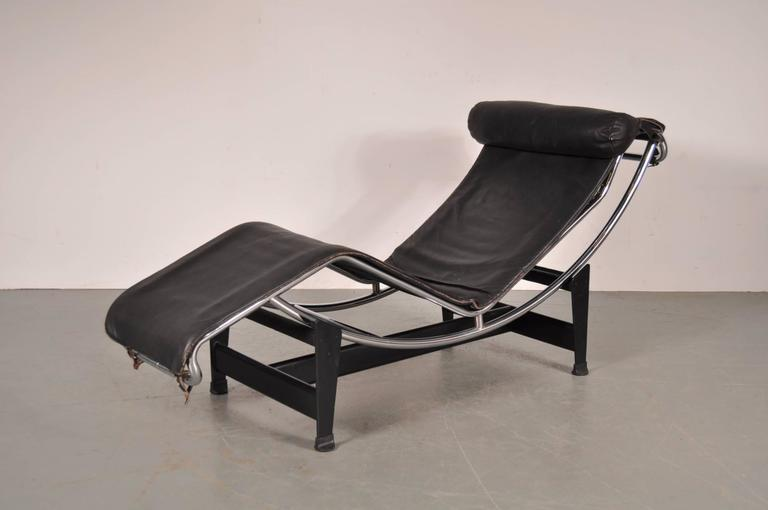 Lc4 chaise longue by le corbusier for cassina italy for Chaise longue le corbusier wikipedia