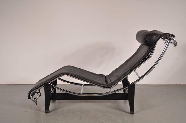 Lc4 chaise longue by le corbusier for cassina italy for Chaise longue le corbusier vache