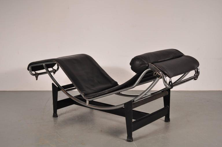 Lc4 chaise longue by le corbusier for cassina italy for Chaise longue le corbusier cad