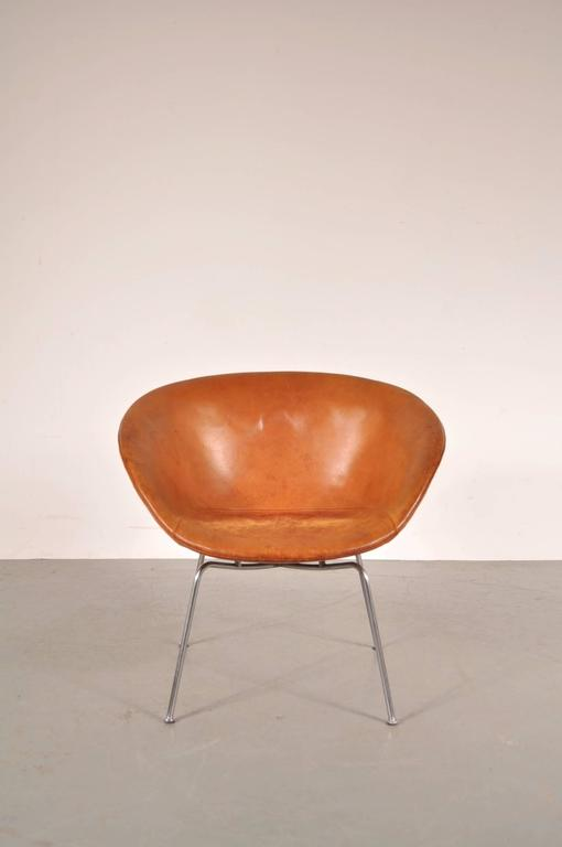 Pair of Pot Chairs by Arne Jacobsen for Fritz Hansen, Denmark, circa 1950 7