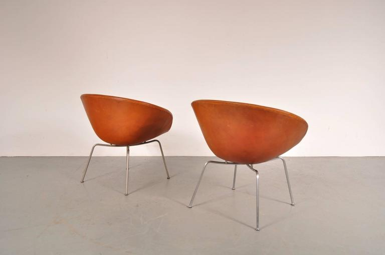 Pair of Pot Chairs by Arne Jacobsen for Fritz Hansen, Denmark, circa 1950 5