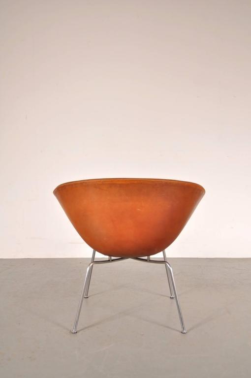 Pair of Pot Chairs by Arne Jacobsen for Fritz Hansen, Denmark, circa 1950 8