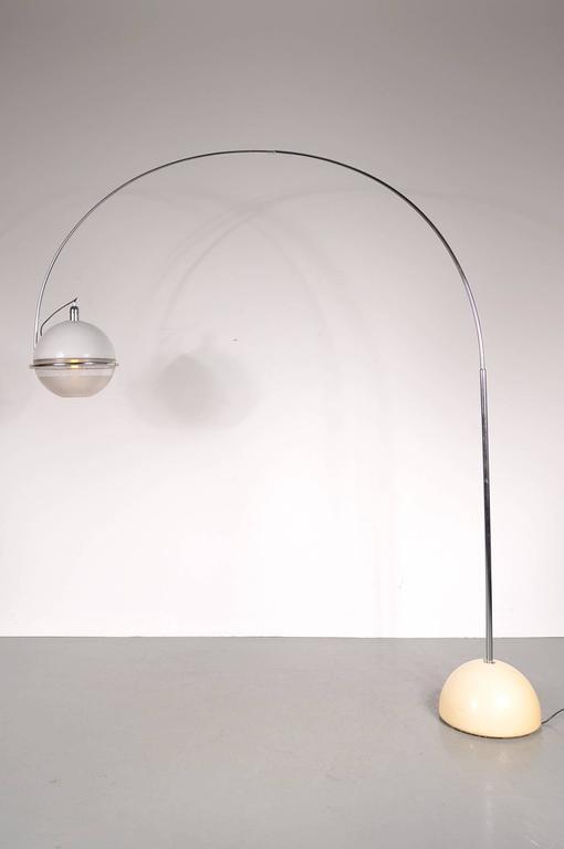 """Focus"" Arc Lamp by Fabio Lenci for Guzzini, Italy, circa 1960 For Sale 1"