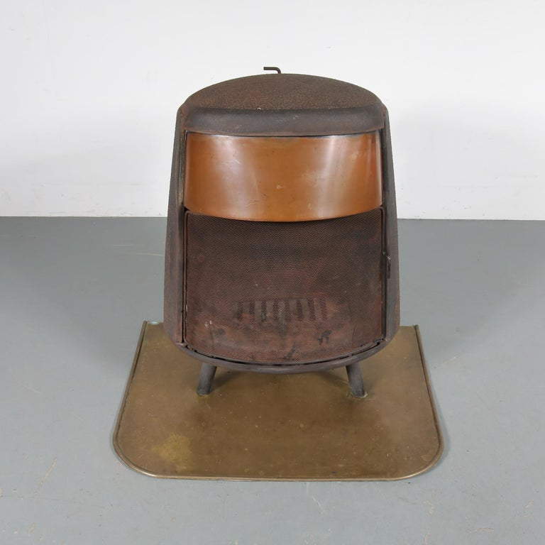 A unique vintage wood burning stove, manufactured by Ulefos in Norway, circa 1950.