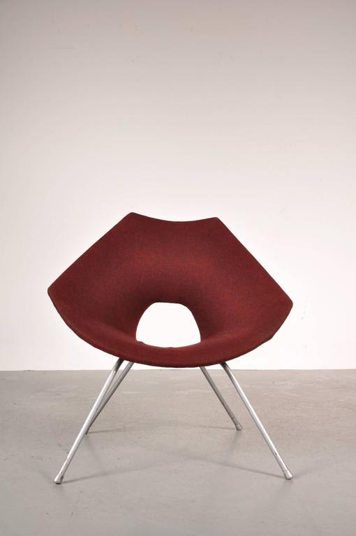 Italian Easy Chair by Augusto Bozzi for Saporiti Italy, circa 1950 For Sale