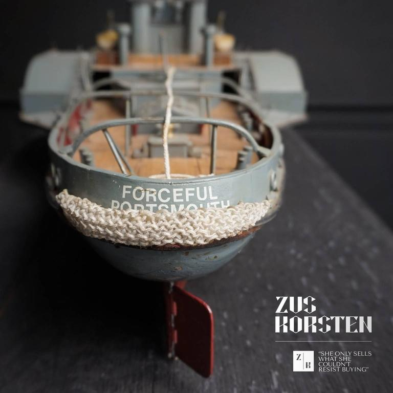 Paddle Wheel Boat Model, 1960 In Fair Condition For Sale In Haarlem, NL