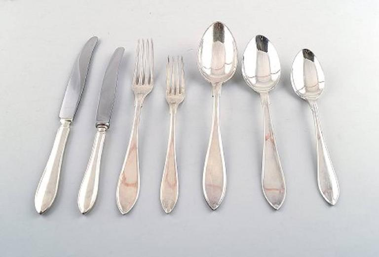 Art Deco Large and Complete 24 Persons Flatware Service in Plated Silver circa 1930-1940s For Sale