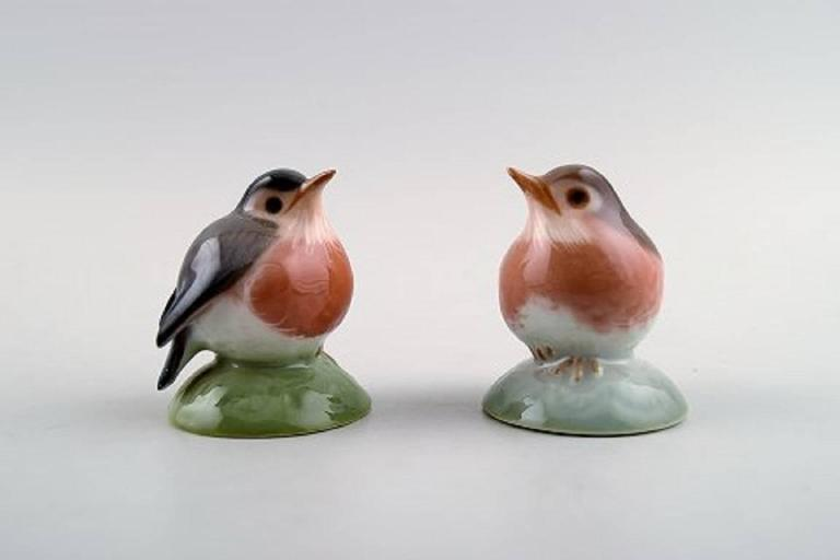 How can I see how old my Bing & Grondahl porcelain is