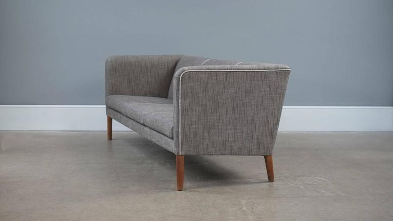 Hans Wegner Sofa In Good Condition For Sale In London, GB
