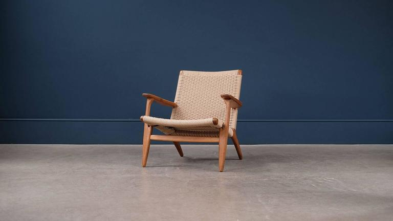 hans wegner ch25 chair for sale at 1stdibs. Black Bedroom Furniture Sets. Home Design Ideas
