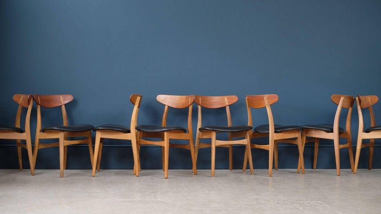 This four wishbone chairs by hans wegner is no longer available - Set Of Eight Hans Wegner Ch30 Chairs At 1stdibs