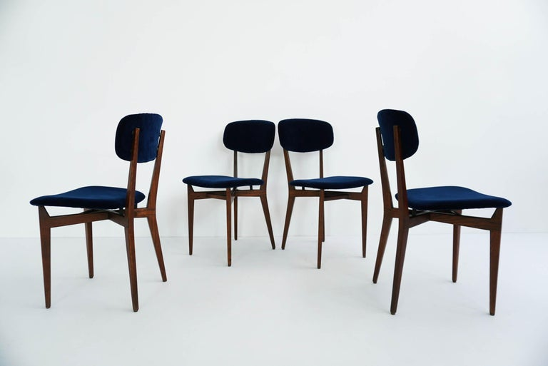 Wood Ico Parisi, Cassina, Italy, 1955 Rare Set of Eight Chairs Mod. 691 For Sale
