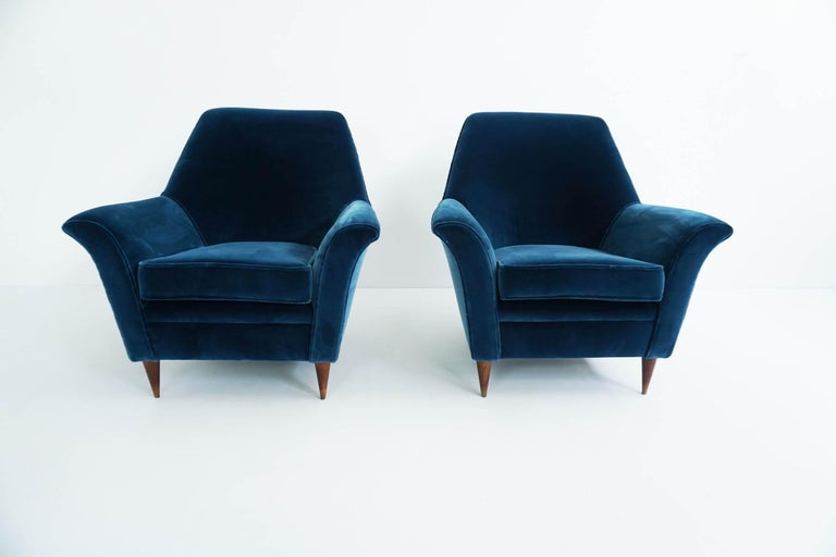 Ico Parisi Lounge Chairs in Blue Lagoon Velvet For Sale 3