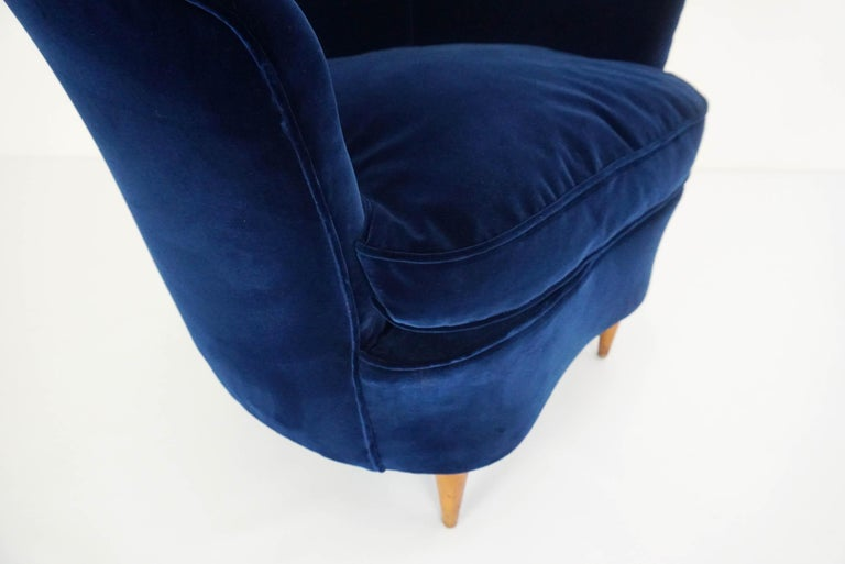Velvet Gio Ponti Attributed, Pair of Cozy 'Shell' Armchairs For Sale