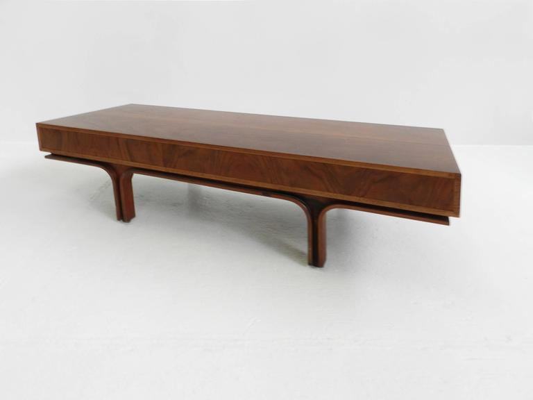 Center Bench by Gianfranco Frattini In Excellent Condition For Sale In Chiasso, CH