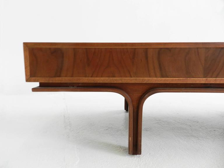 Mid-20th Century Center Bench by Gianfranco Frattini For Sale
