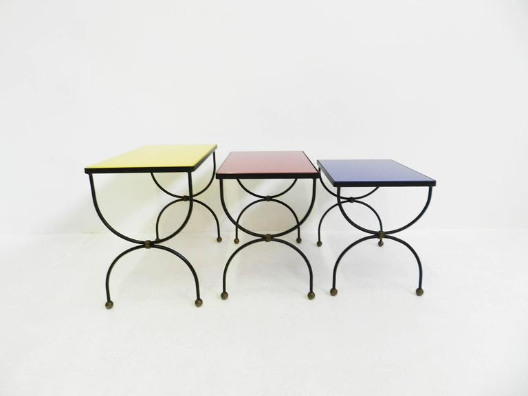 "Mid-Century Modern Set of Nesting Tables Attributed to Jean Royère with ""Mondrian"" Colored Glass For Sale"