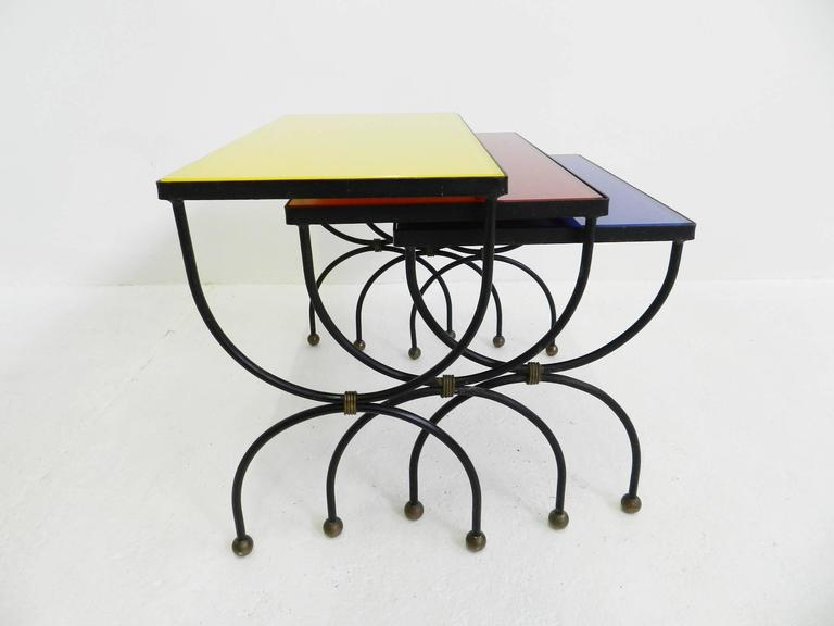 "Mid-20th Century Set of Nesting Tables Attributed to Jean Royère with ""Mondrian"" Colored Glass For Sale"