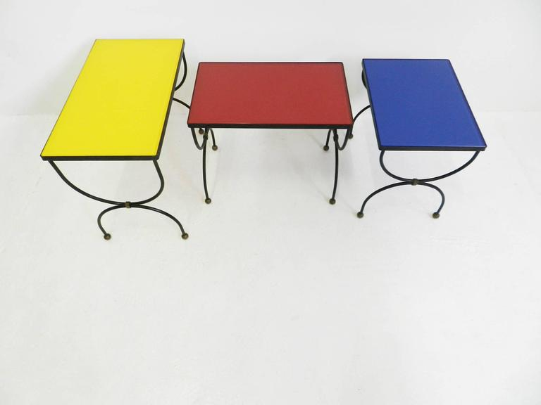 "Set of Nesting Tables Attributed to Jean Royère with ""Mondrian"" Colored Glass For Sale 4"
