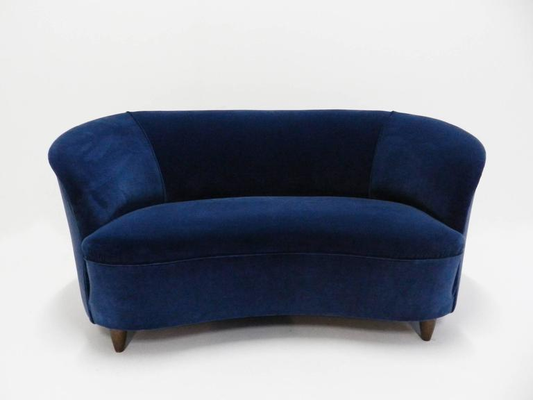Mid-Century Modern Blue Velvet Lovely Curved Sofa For Sale