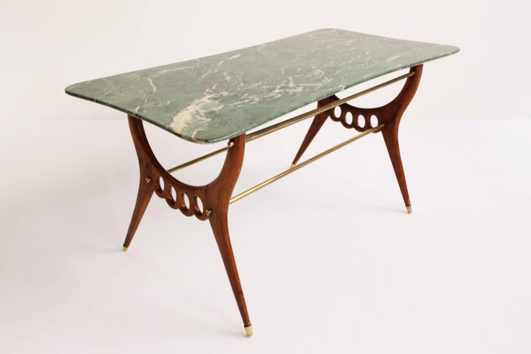 Beautiful Italian Mid-Century Modern Coffee Table  In Excellent Condition For Sale In Chiasso, CH