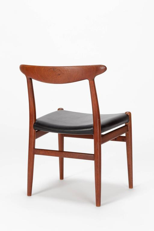 Pair of Hans Wegner Dining Chairs W2 for C.M. Madsen, 1950s In Good Condition For Sale In Basel, CH