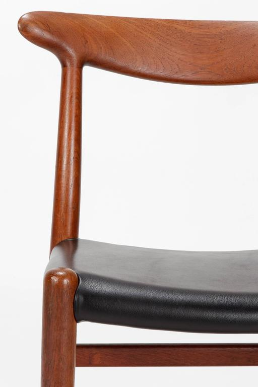Pair of Hans Wegner Dining Chairs W2 for C.M. Madsen, 1950s For Sale 1