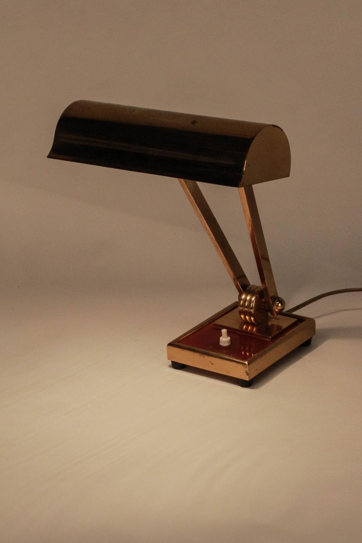 high end french art deco desk lamp in brass 1930s at 1stdibs. Black Bedroom Furniture Sets. Home Design Ideas