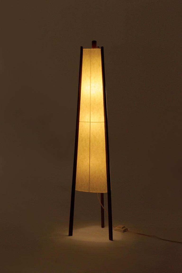 Swiss Floor Lamp Walnut, 1950s For Sale 7