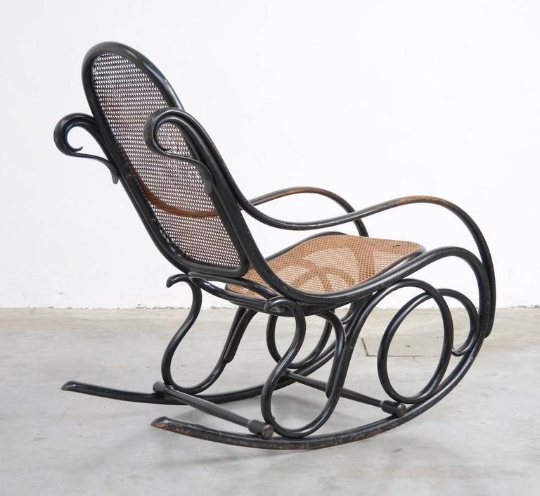 Old original rocking chair by michael thonet for gebruder for Schaukelstuhl illum wikkelso