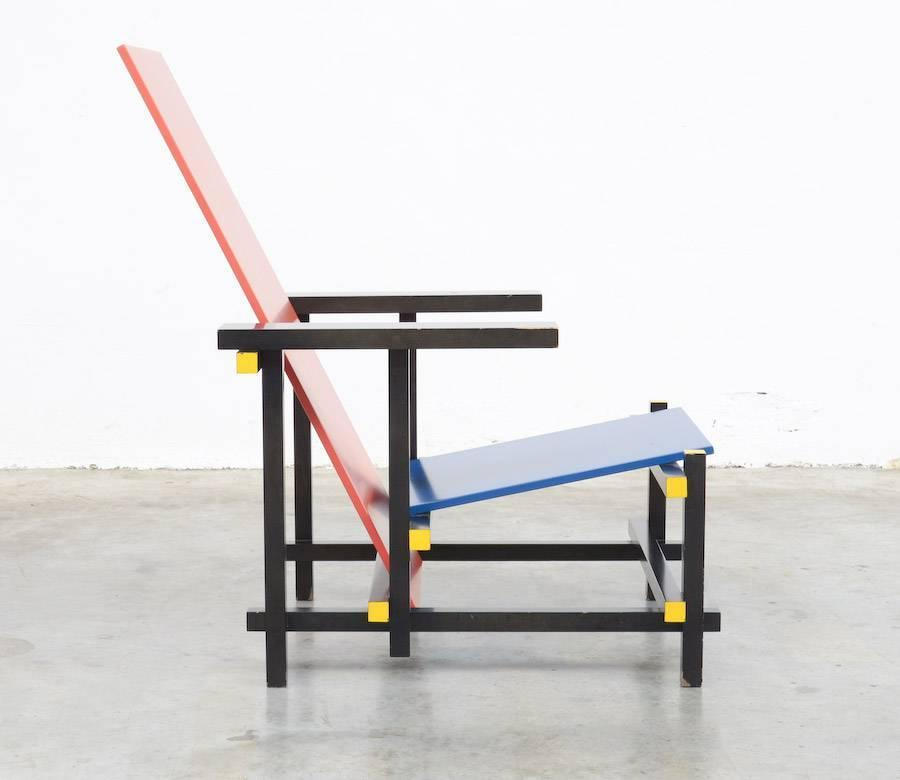 Red and blue chair by gerrit rietveld for cassina for sale - Chaise rouge et bleue ...