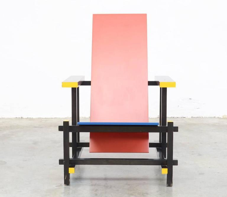Red and Blue Chair by Gerrit Rietveld for Cassina In Good Condition For Sale In Vlimmeren, BE