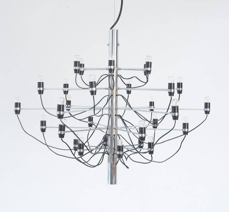 Mid-Century Modern Chandelier Model 2097/30 by Gino Sarfatti for Arteluce For Sale