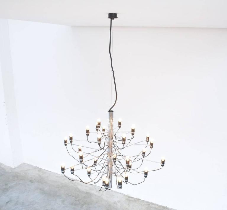 Chandelier Model 2097/30 by Gino Sarfatti for Arteluce For Sale 4