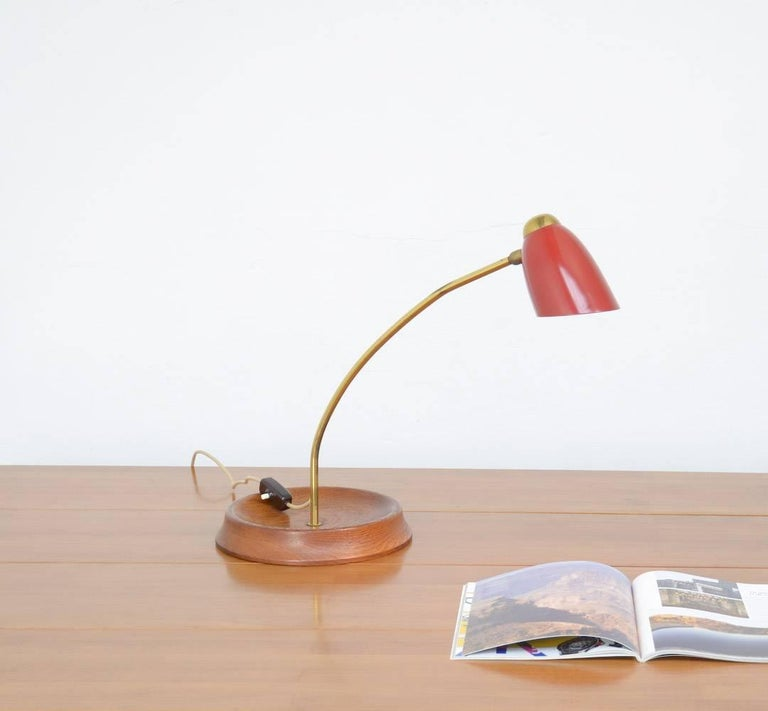 Mid-Century Modern Mid-Century Desk Lamp in the Manner of Arredoluce For Sale