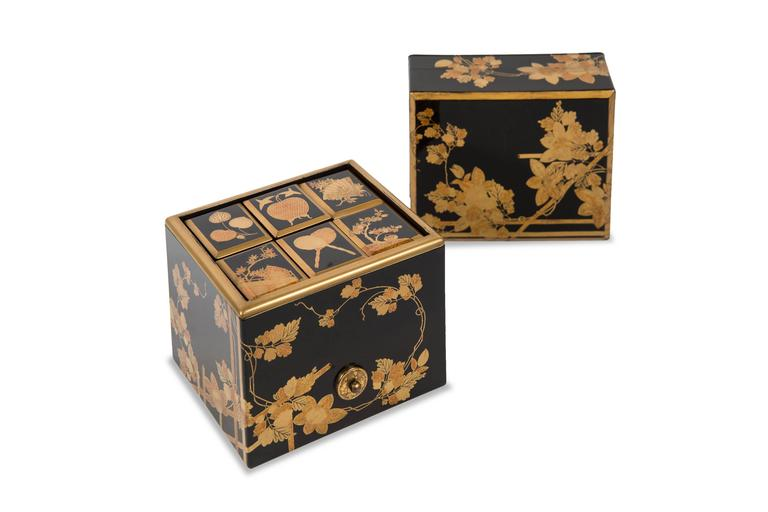 Edo Japanese Lacquered Incense Box In Good Condition For Sale In Paris, FR