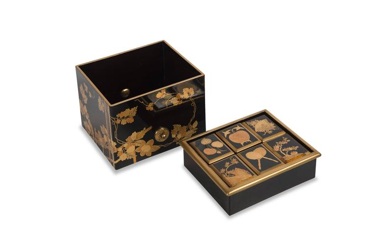 19th Century Edo Japanese Lacquered Incense Box For Sale
