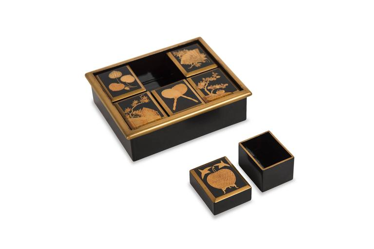 Edo Japanese Lacquered Incense Box For Sale 1