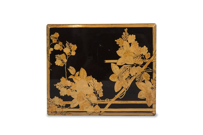 Edo Japanese Lacquered Incense Box For Sale 4