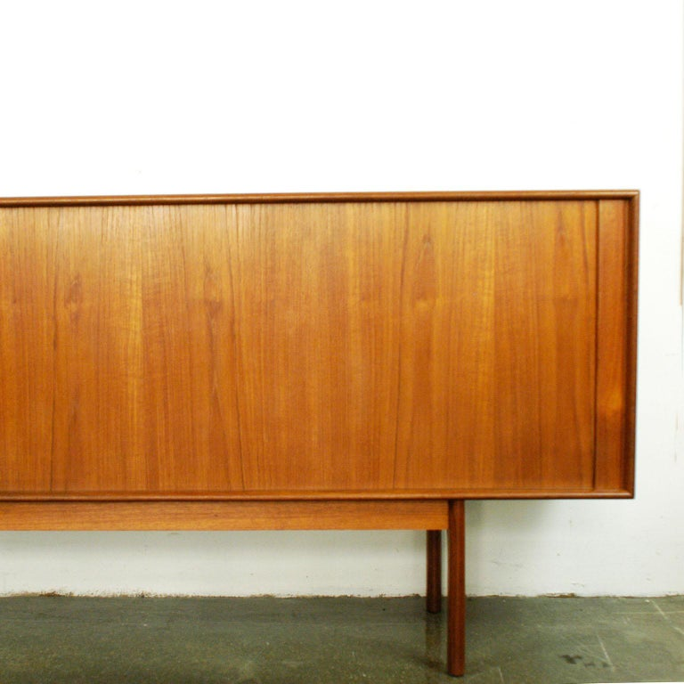 Scandinavian Modern Teak Tambour Door Credenza by Arne Vodder for Sibast For Sale 4