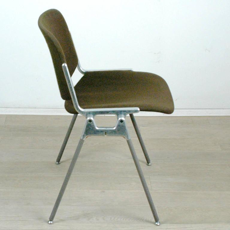 set of five castelli dsc 106 stacking chairs by giancarlo piretti 2