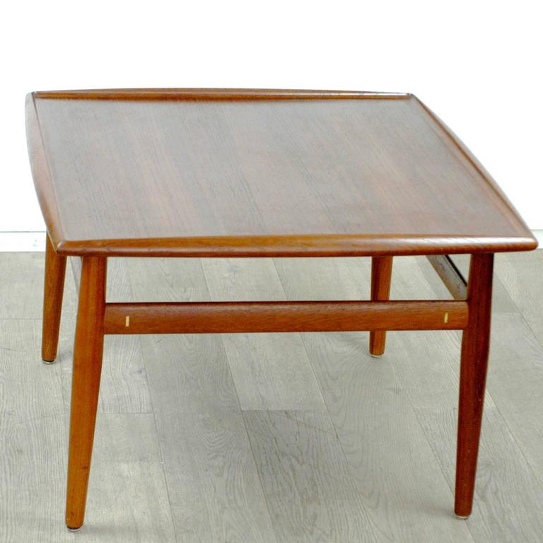 Scandinavian Modern Teak Coffee Table by Grete Jalk In Excellent Condition For Sale In Vienna, AT