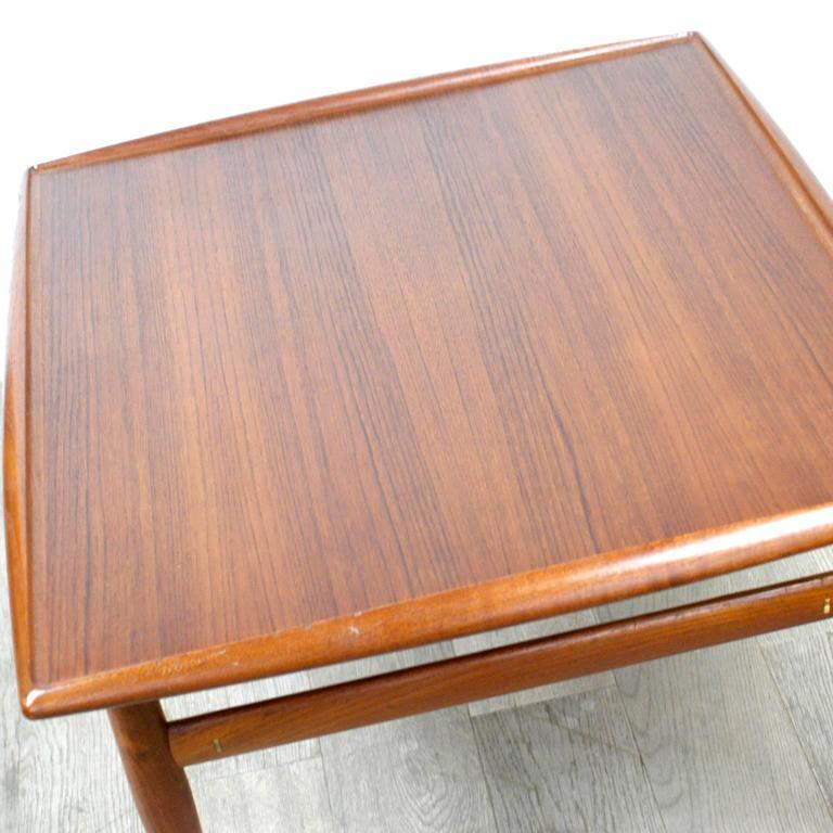 Scandinavian Modern Teak Coffee Table by Grete Jalk For Sale 3