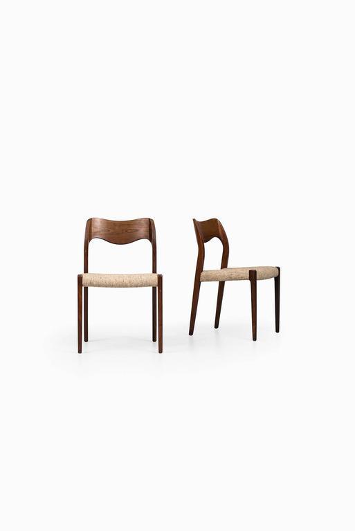 Set of six dining chairs model 71 designed by Niels O. Møller. Produced by J.L Møllers Møbelfabrik in Denmark.