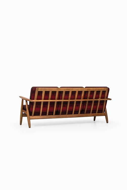 Hans Wegner Sofa Model Ge-240 by GETAMA in Denmark 8