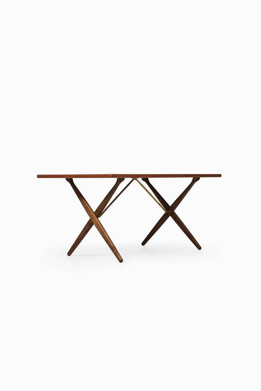 Rare dining table/desk model AT-303 designed by Hans Wegner. Produced by Andreas Tuck in Denmark.