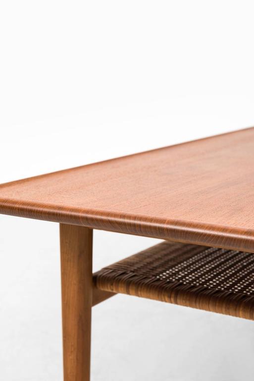 Hans Wegner Coffee Table Model AT-10 by Andreas Tuck in Denmark 4