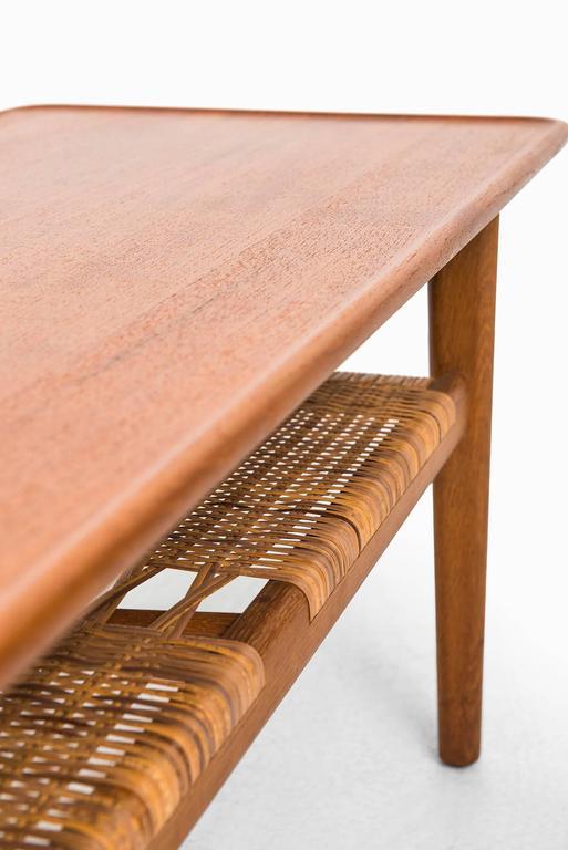 Hans Wegner Coffee Table Model AT-10 by Andreas Tuck in Denmark 5