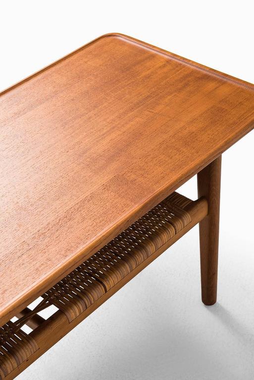 Hans Wegner Coffee Table Model AT-10 by Andreas Tuck in Denmark 7